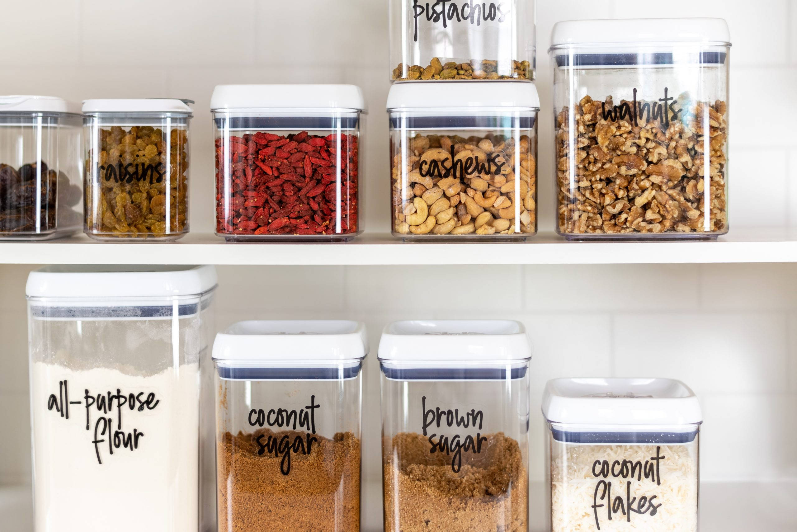 How to organize your kitchen, using clear containers